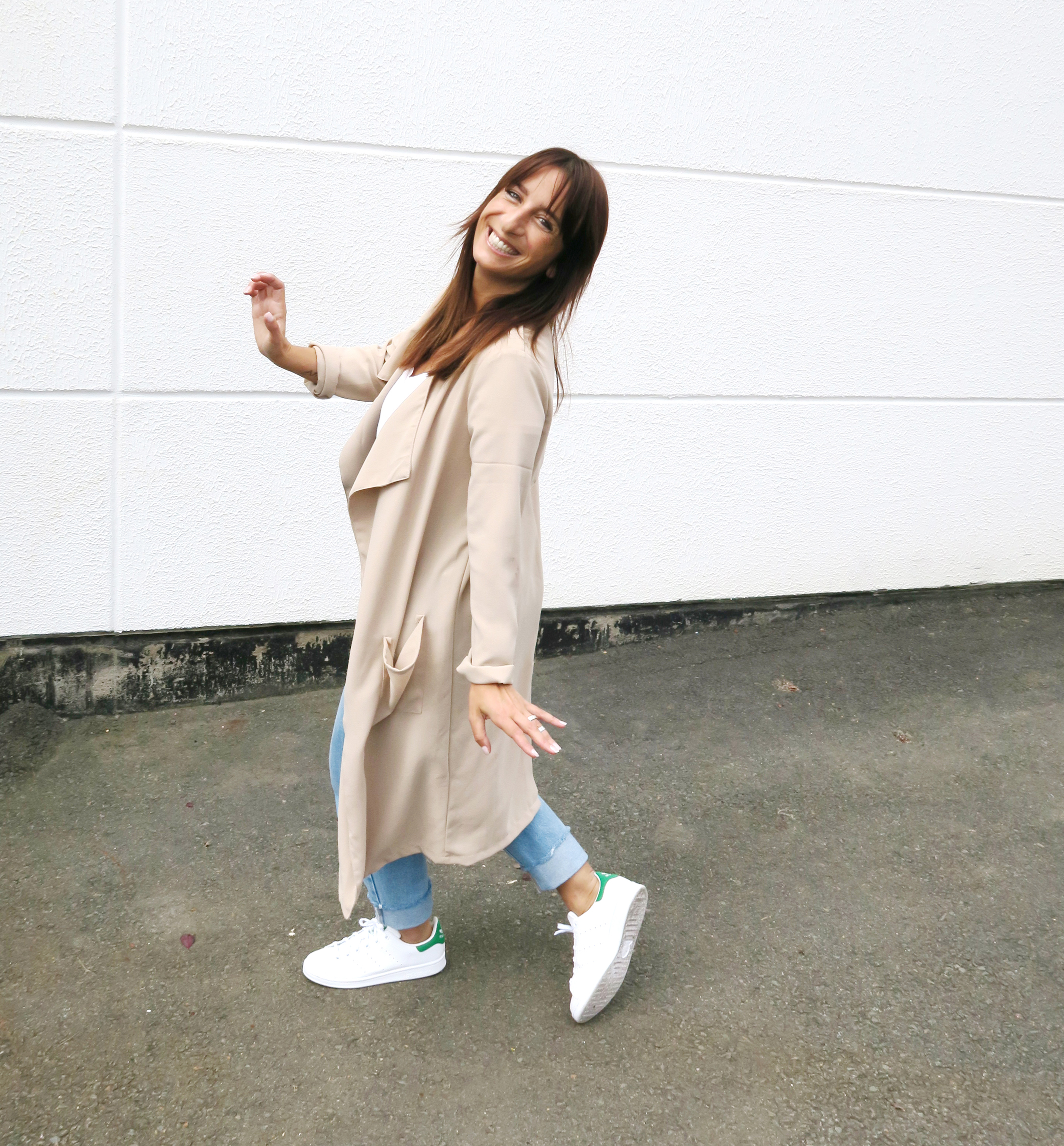 Blogger-Modesalat-Streetstyle-Bloggerstyle-Coat-Beige-Stansmith-1