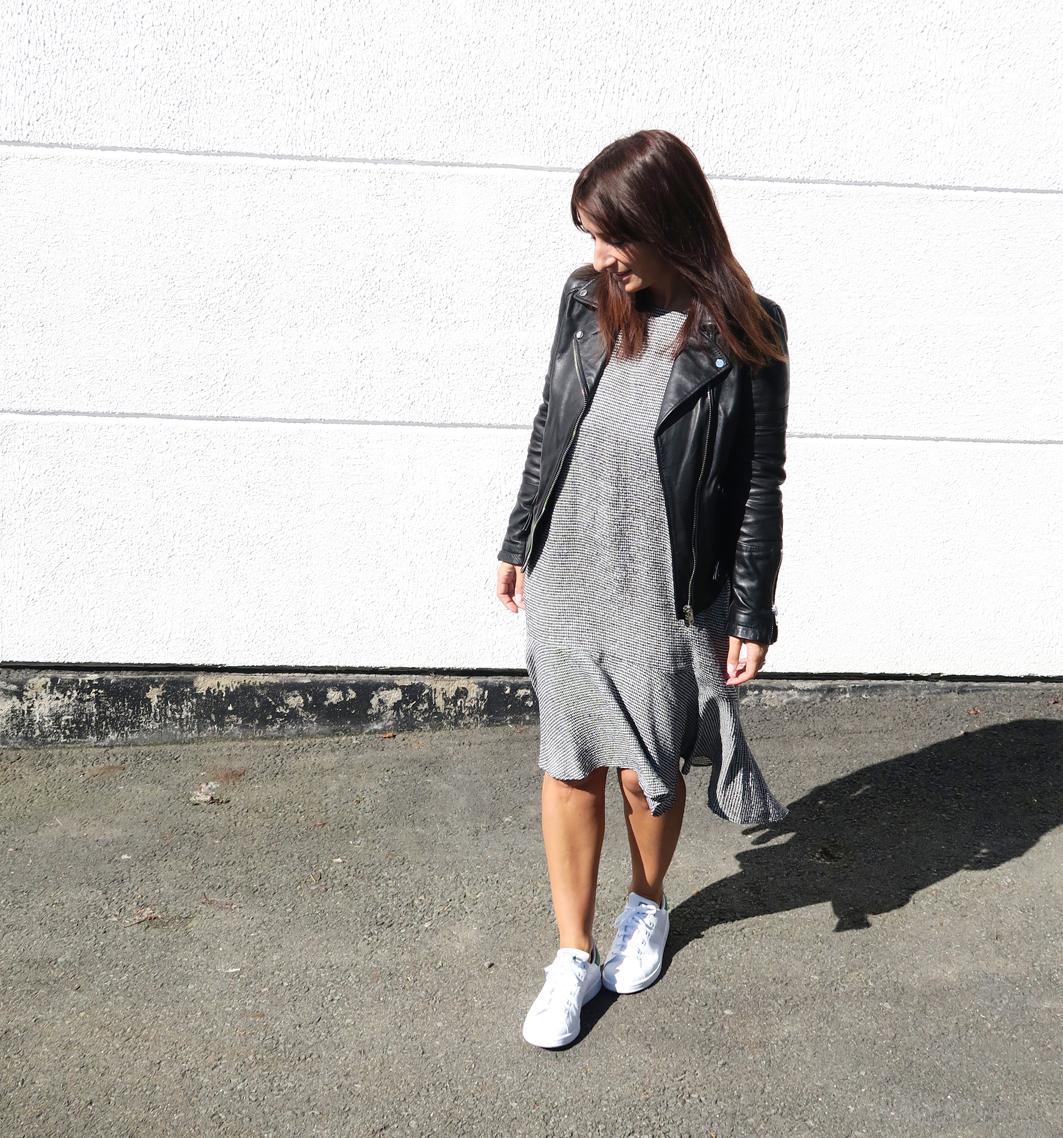 Modesalat-Blogger-Bloggerstyle-stansmith-ruffles-dress-2