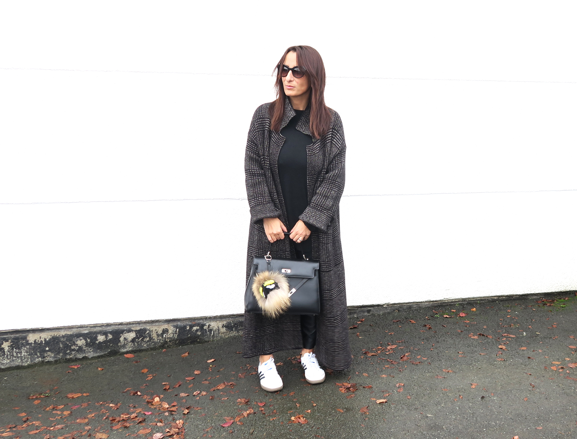 streetstyle-tartan-coat-zara-style-blogger-fendi-bag-1