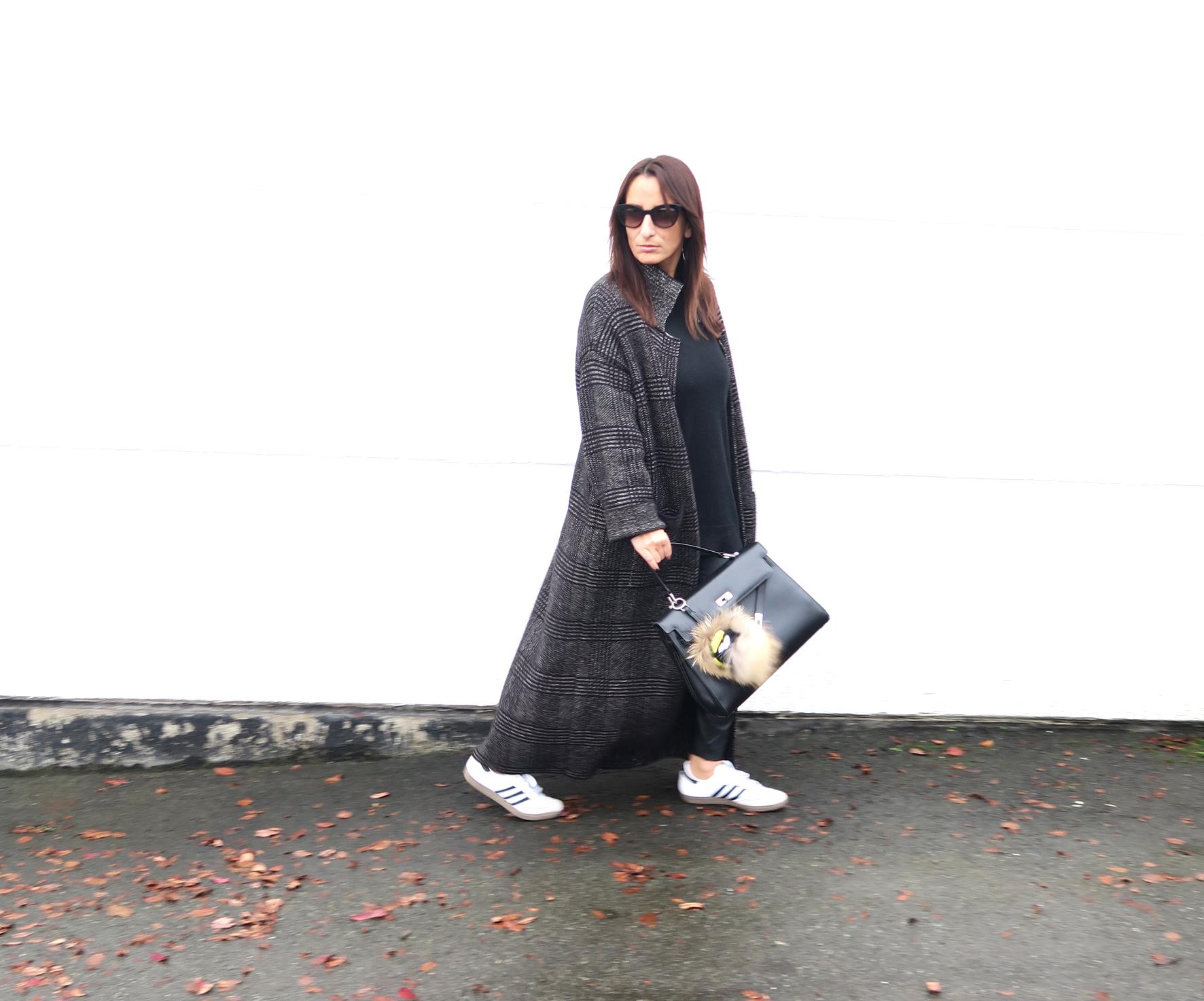 streetstyle-tartan-coat-zara-style-blogger-fendi-bag-4