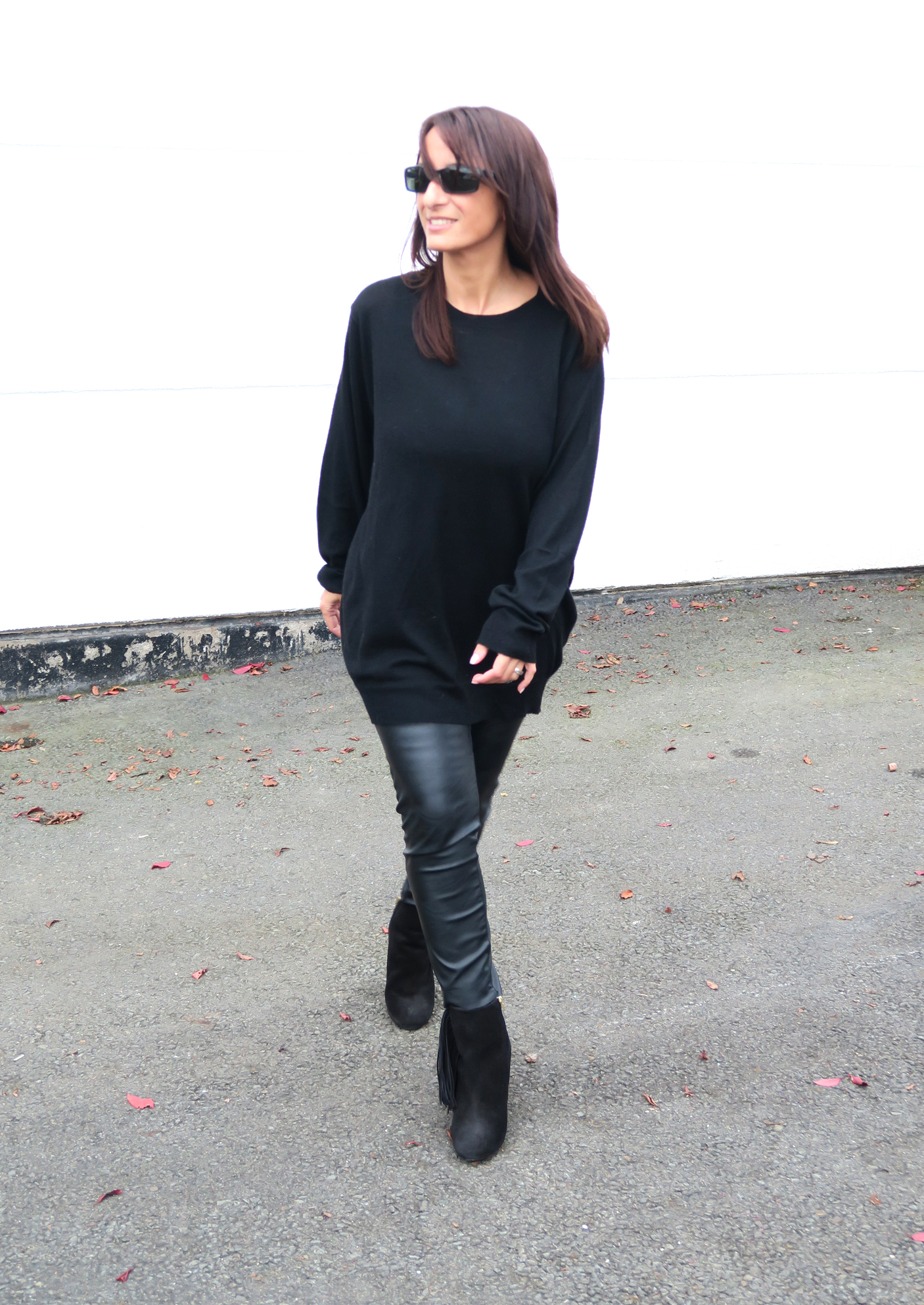 brands4friends-buffalo-boots-fringe-fashionblogger-modeblogger-fashion-style-trend-black-outfit-1