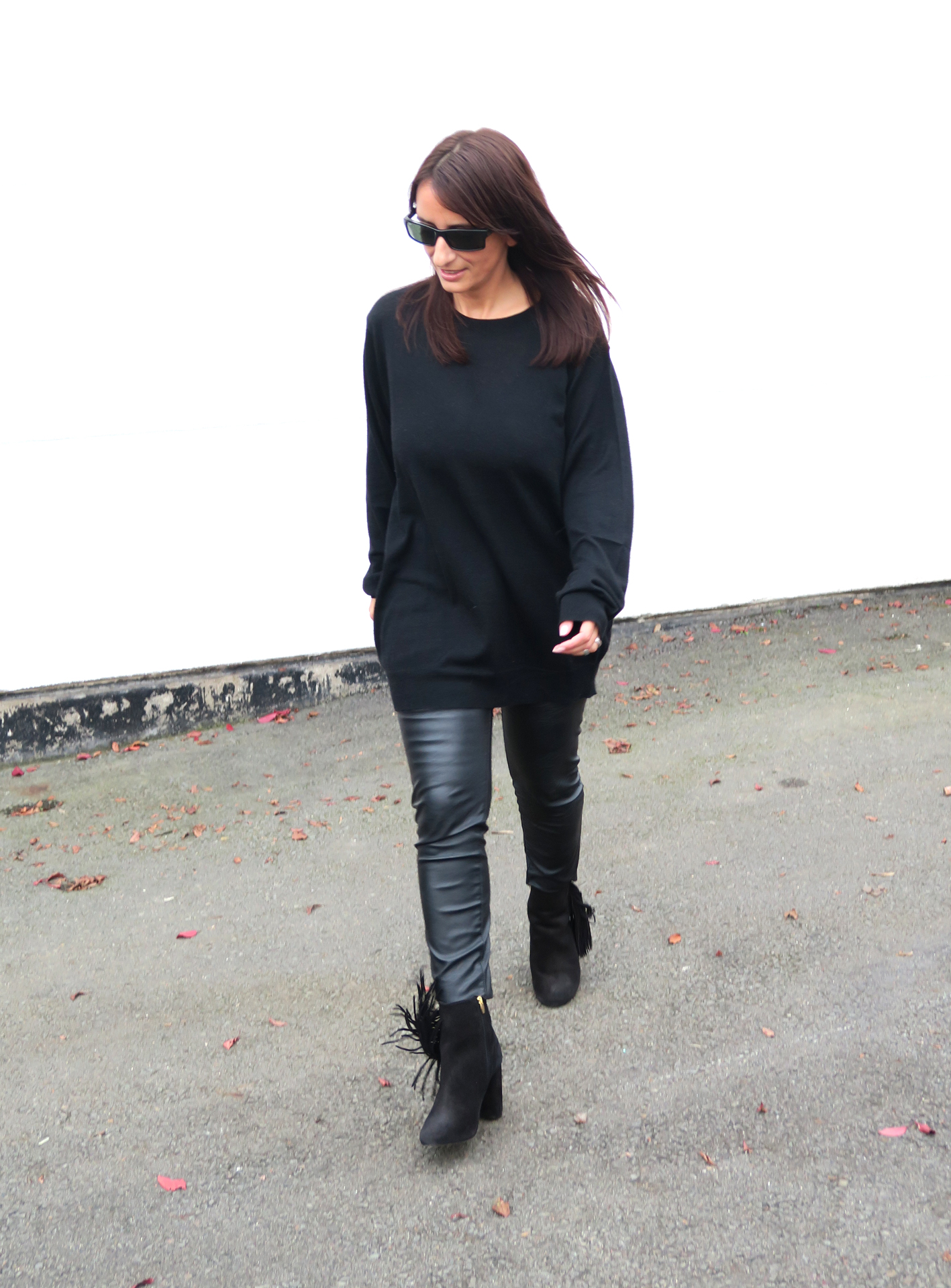 brands4friends-buffalo-boots-fringe-fashionblogger-modeblogger-fashion-style-trend-black-outfit-2