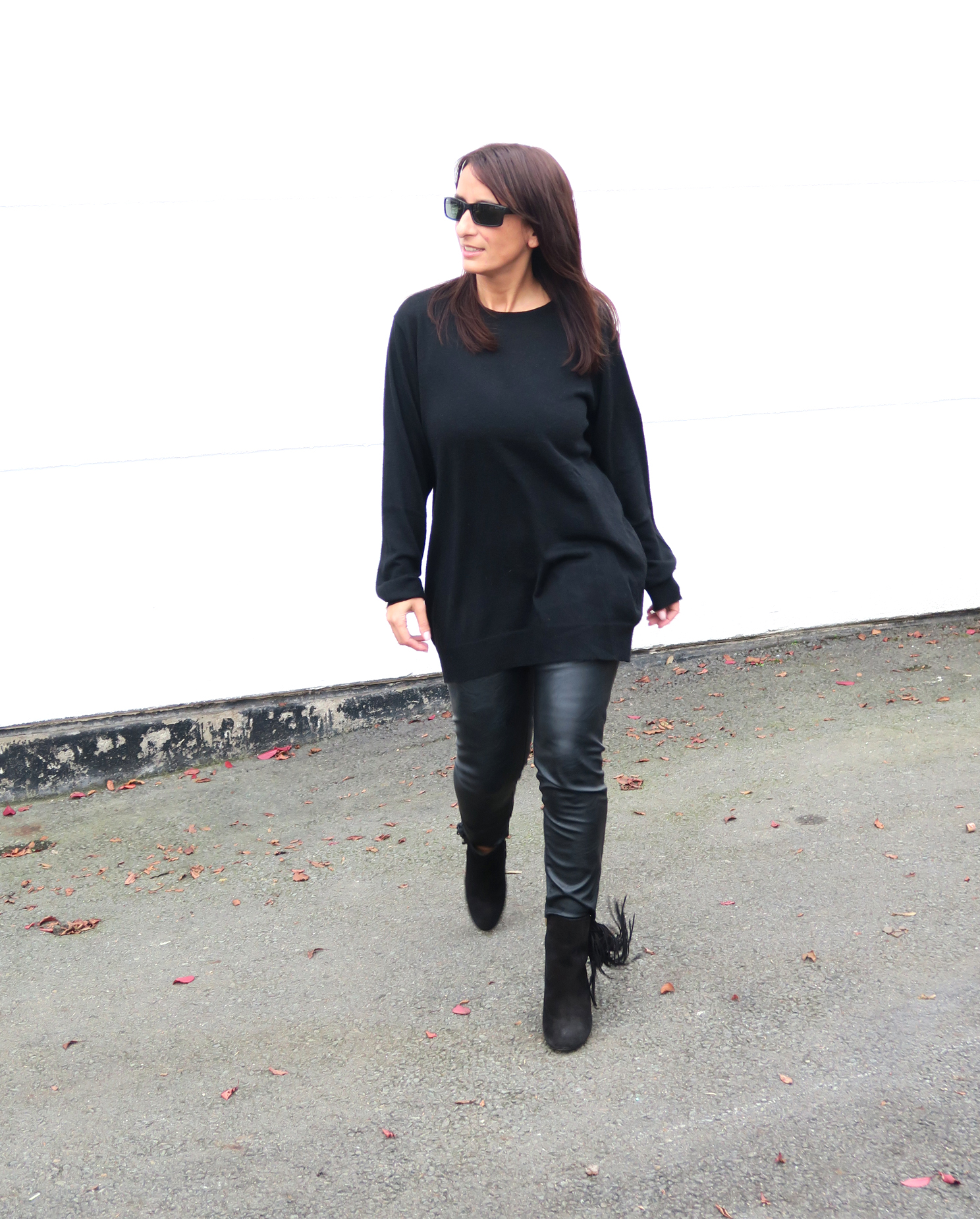 brands4friends-buffalo-boots-fringe-fashionblogger-modeblogger-fashion-style-trend-black-outfit-3