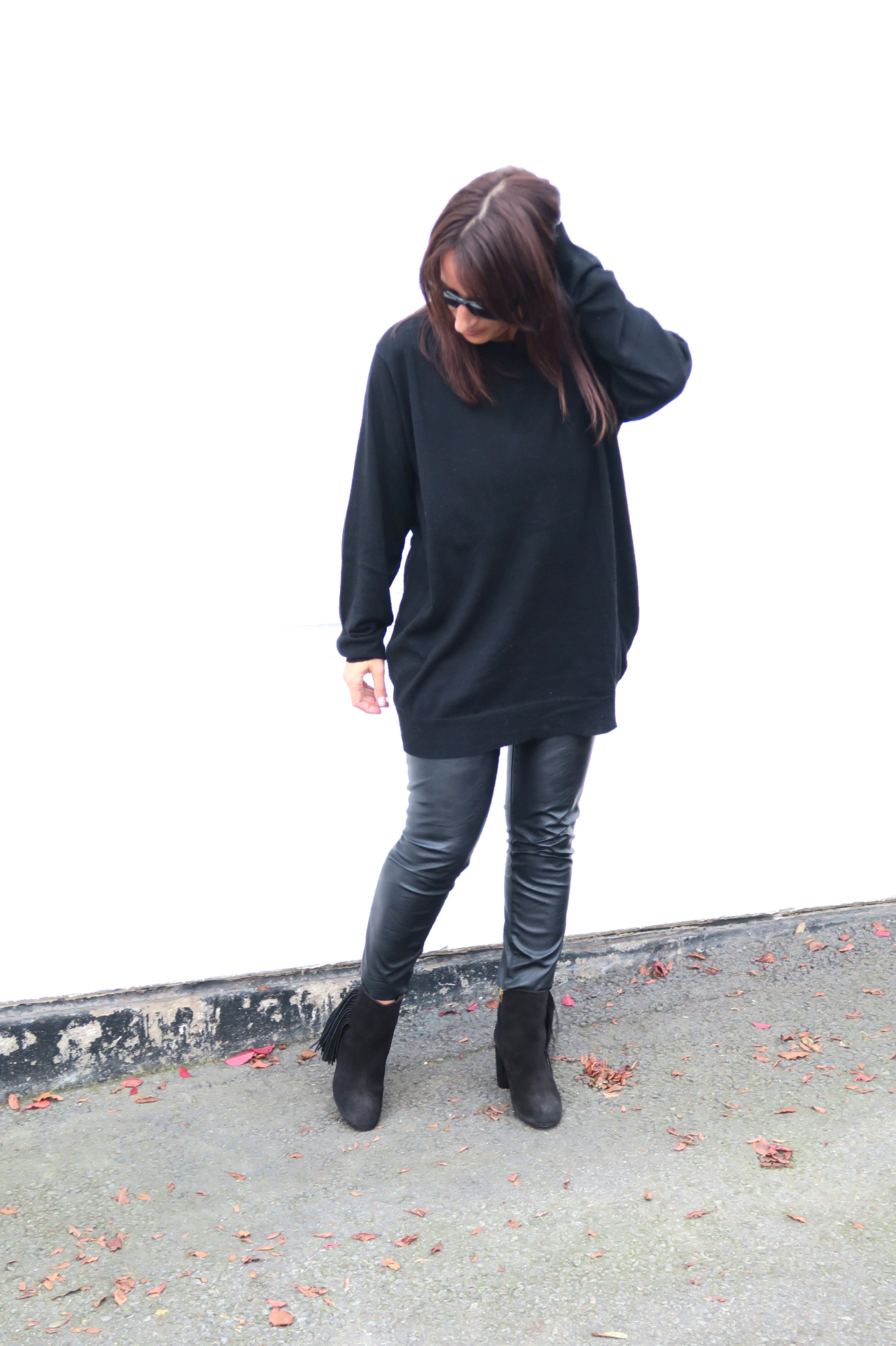 brands4friends-buffalo-boots-fringe-fashionblogger-modeblogger-fashion-style-trend-black-outfit-7