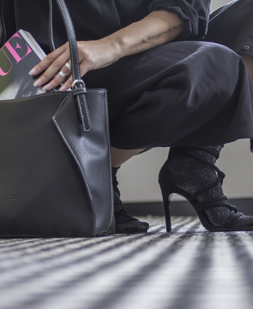 OUTFIT | Shopper Bag Gabor, Socks, Dress and open Shoes