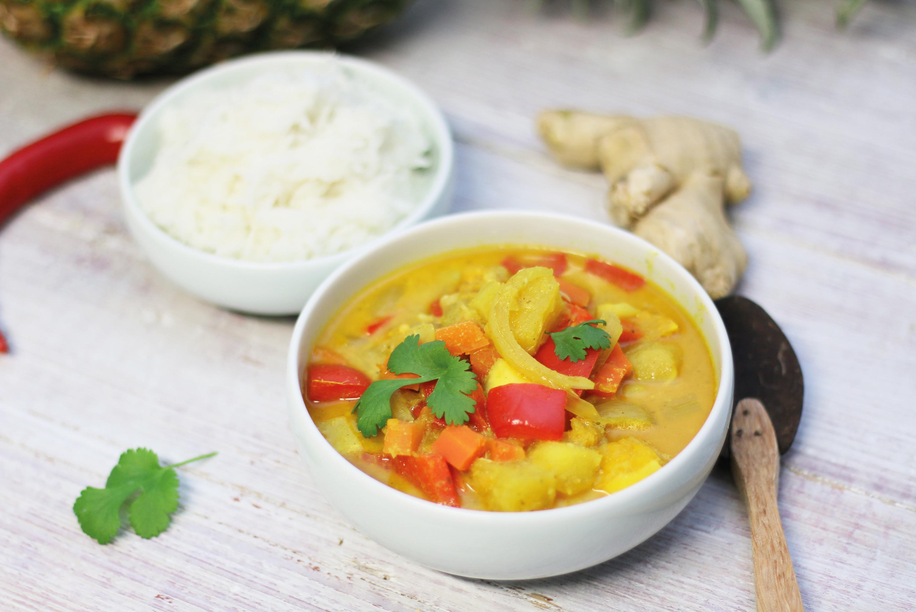 REZEPT | FOOD | Fruchtiges Kokos-Fisch Curry