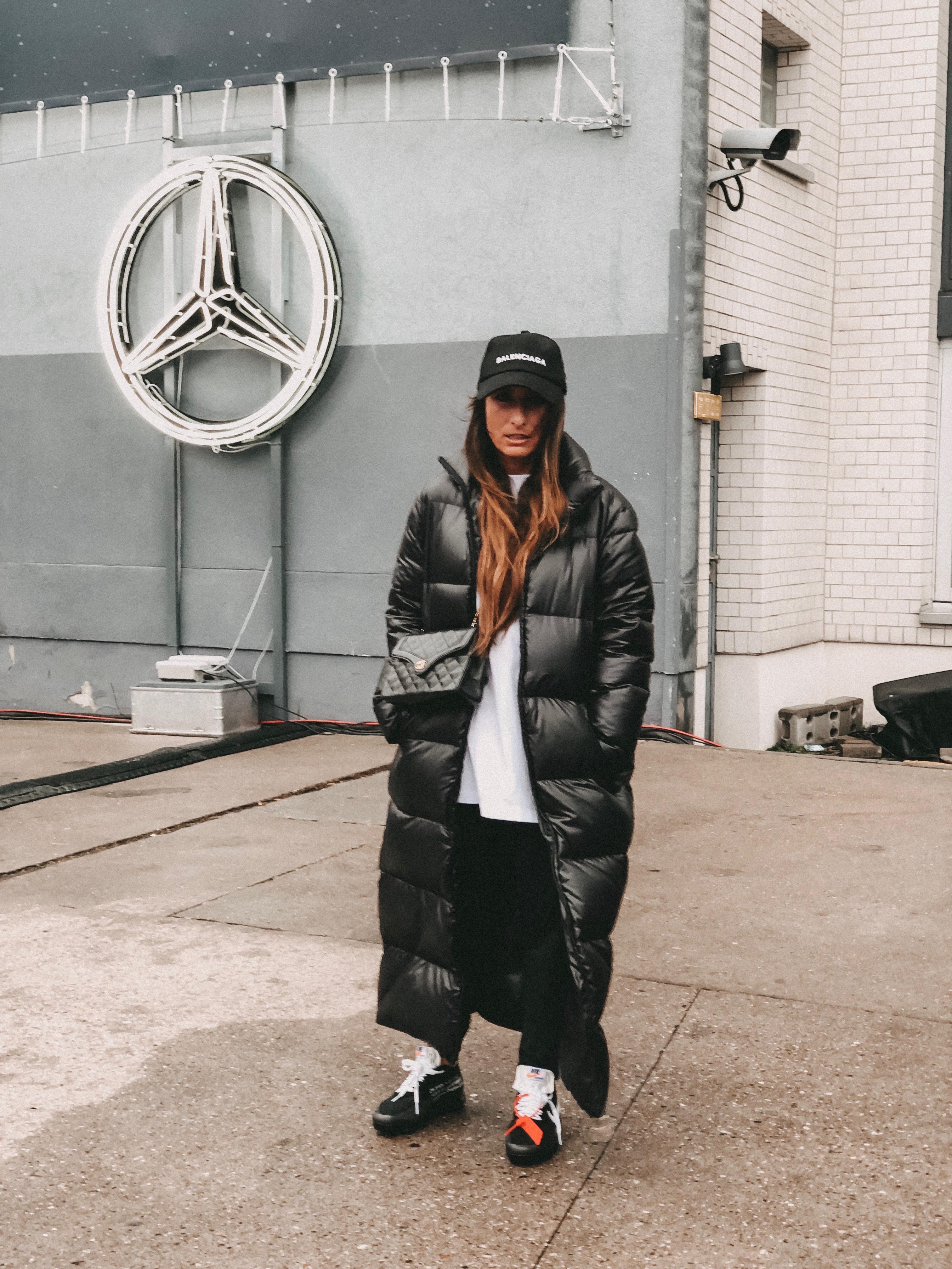 Daunenmantel x Nike Off White x Streetstyle