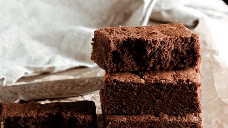 """""""Den Amerikanischen Brown(-ie) l(i)eben"""": Brownies aus nur 2 Zutaten"""