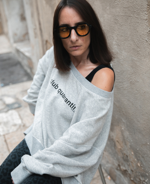 Graues Sweatshirt stylen | Liv bergen