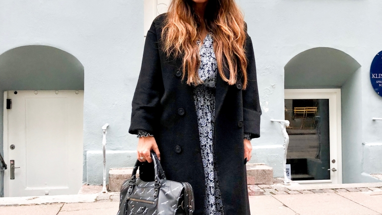 Skandinavischer Style x Long dress x Coat x Sneaker